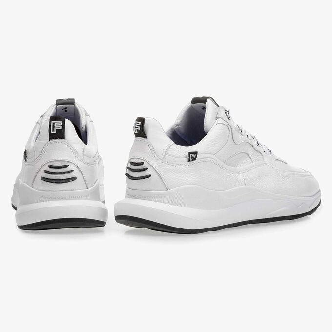 White calf leather sneaker with fine texture