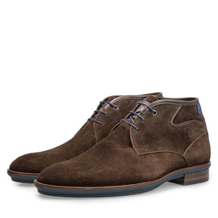 Suede leather laceboot with rubber sole