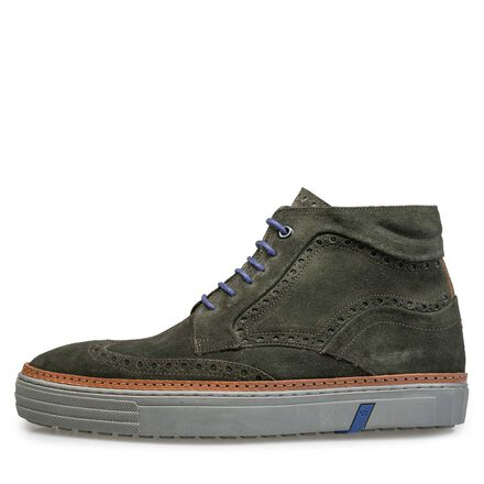 Mid-high, lined brogue sneaker