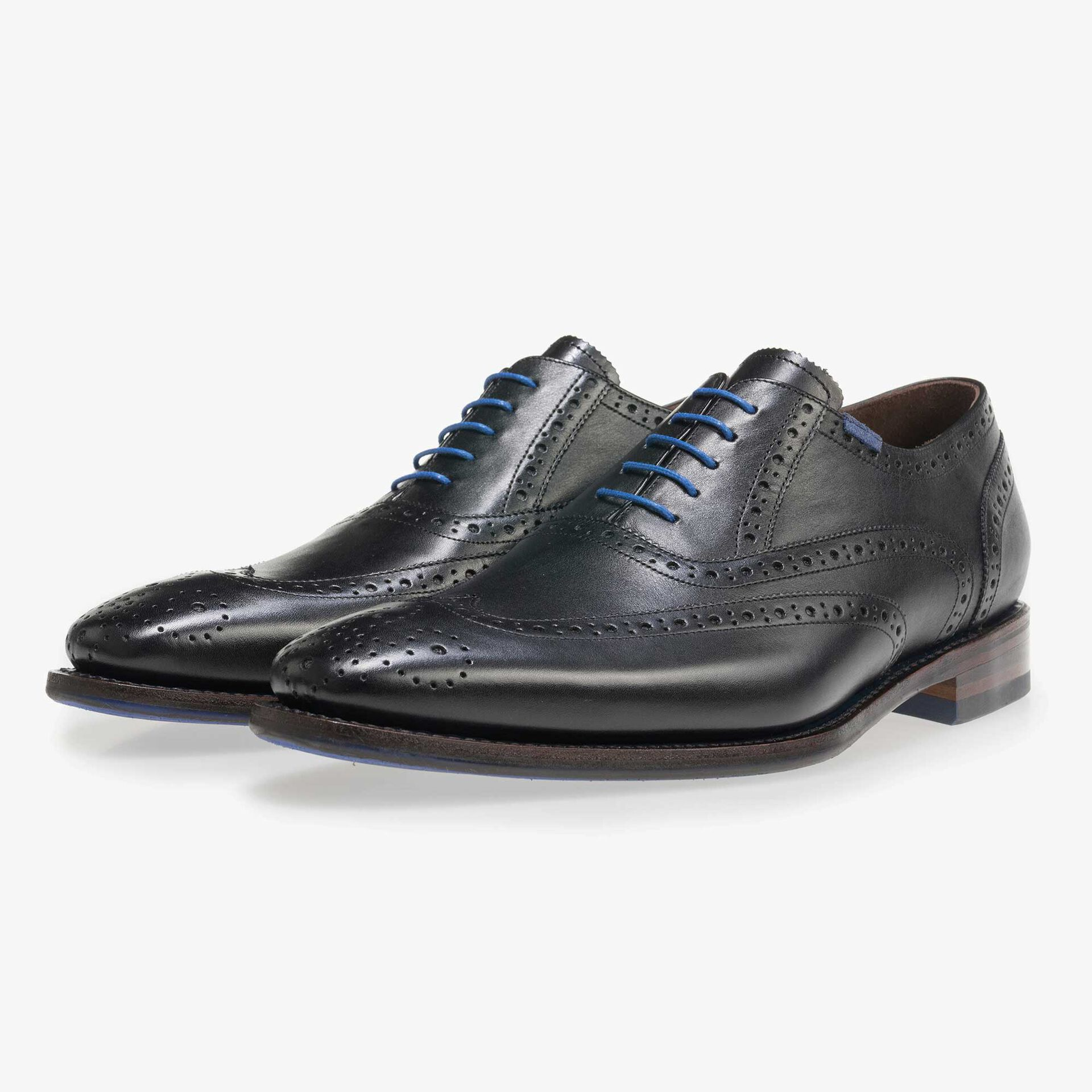 Black brogue calf's leather lace shoe