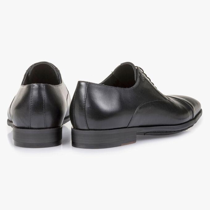 Black calf leather lace shoe