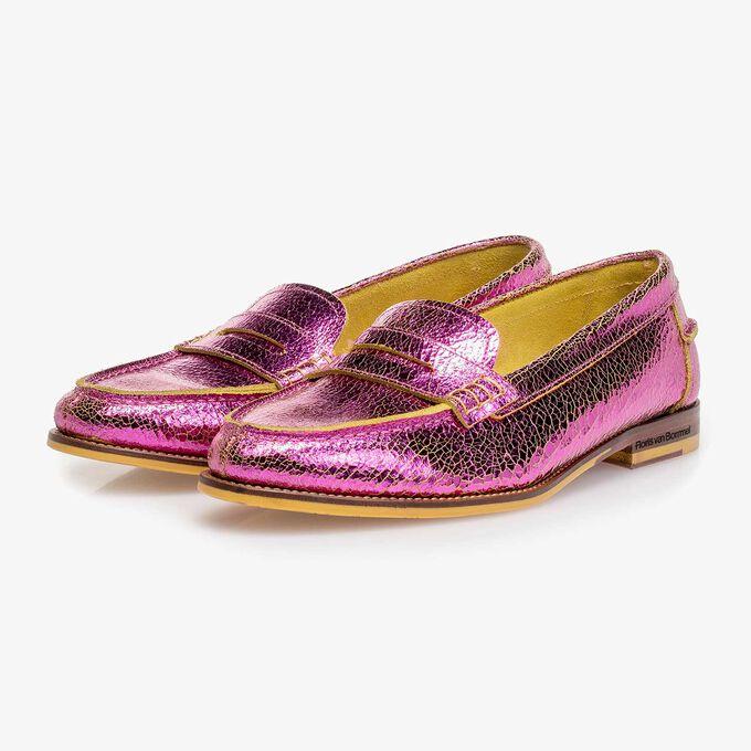 Roze metallic leren loafer met craquelé effect