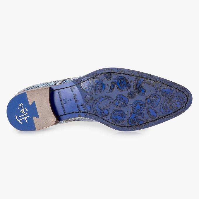 Premium veterschoen met blauwe snakeprint