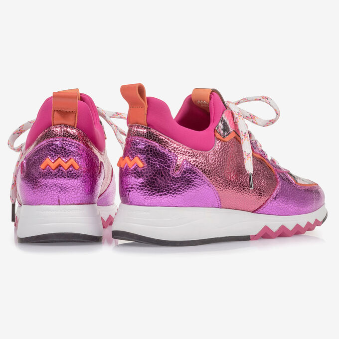 Sneaker with red and pink metallic print