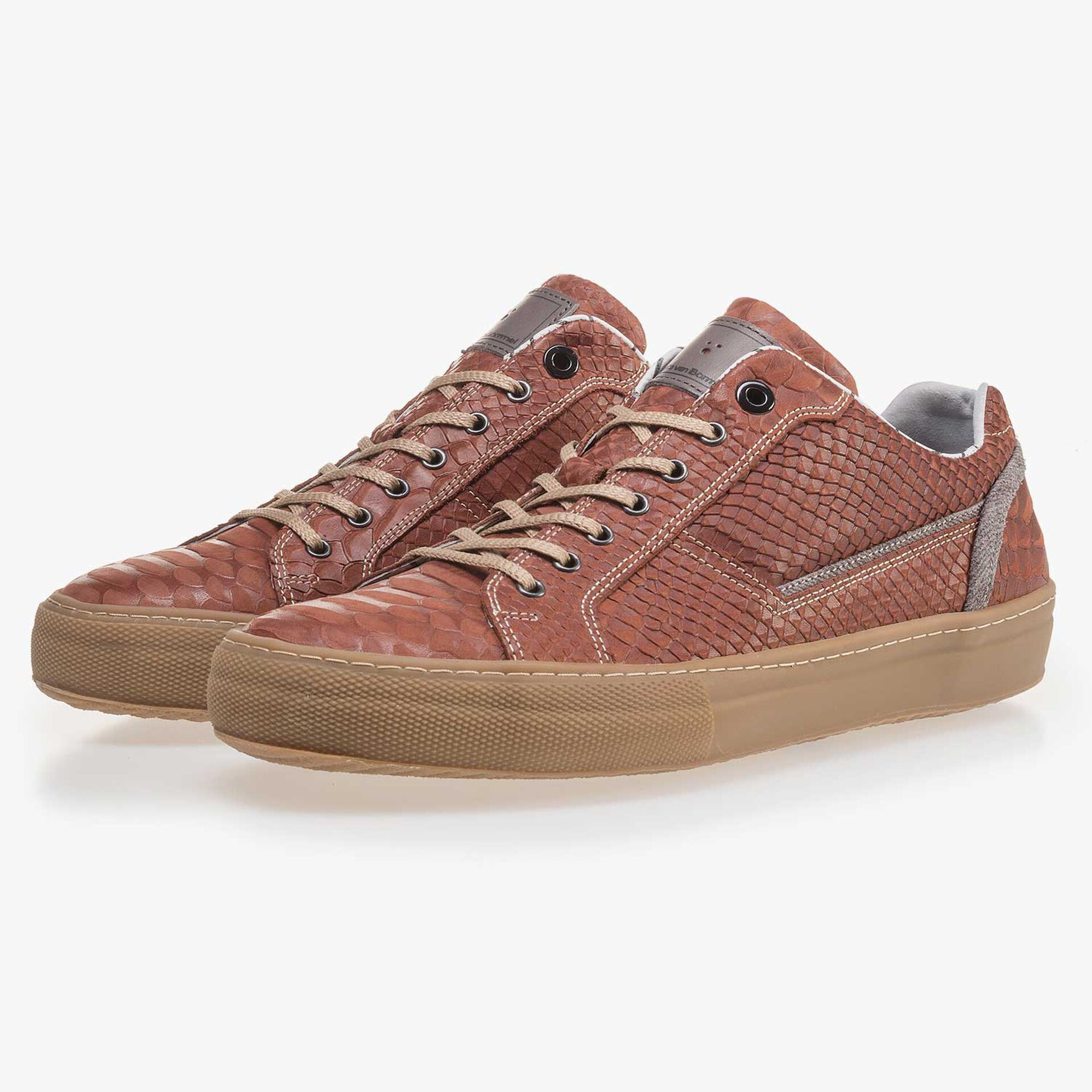 Cognac-coloured leather sneaker with a snake print