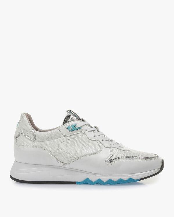 Witte kalfsleren sneaker met blauwe details