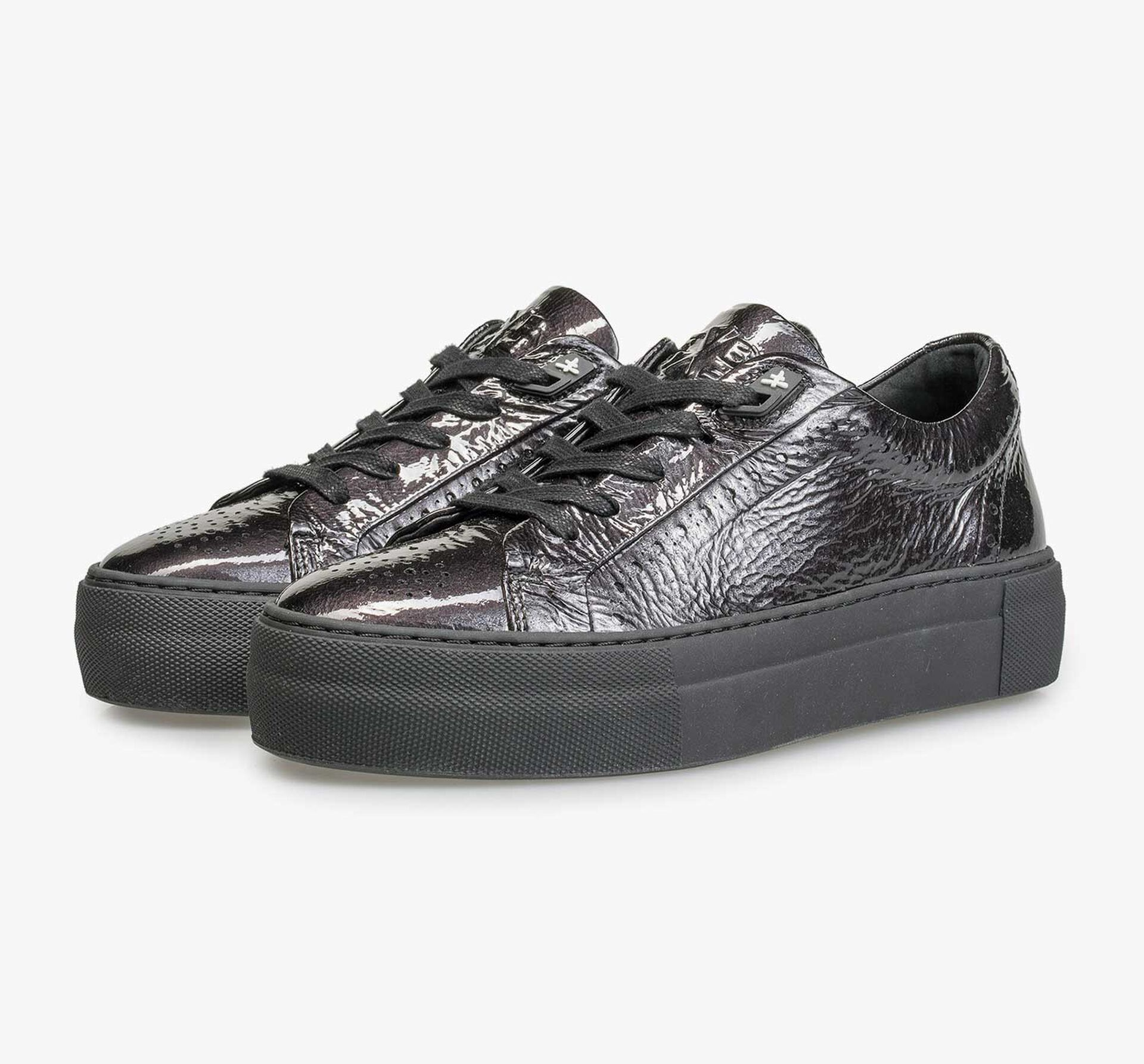 Black patent leather sneaker with wrinkle effect