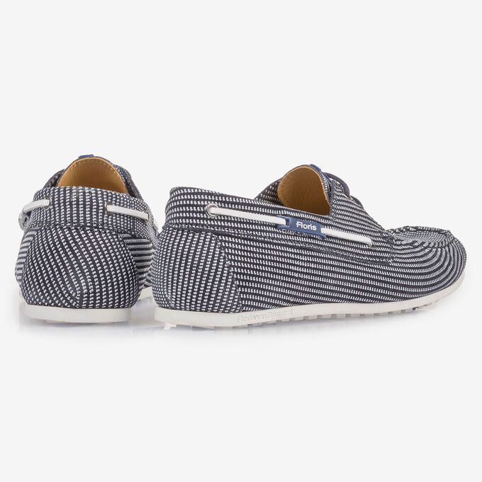Blue suede leather boat shoe with print