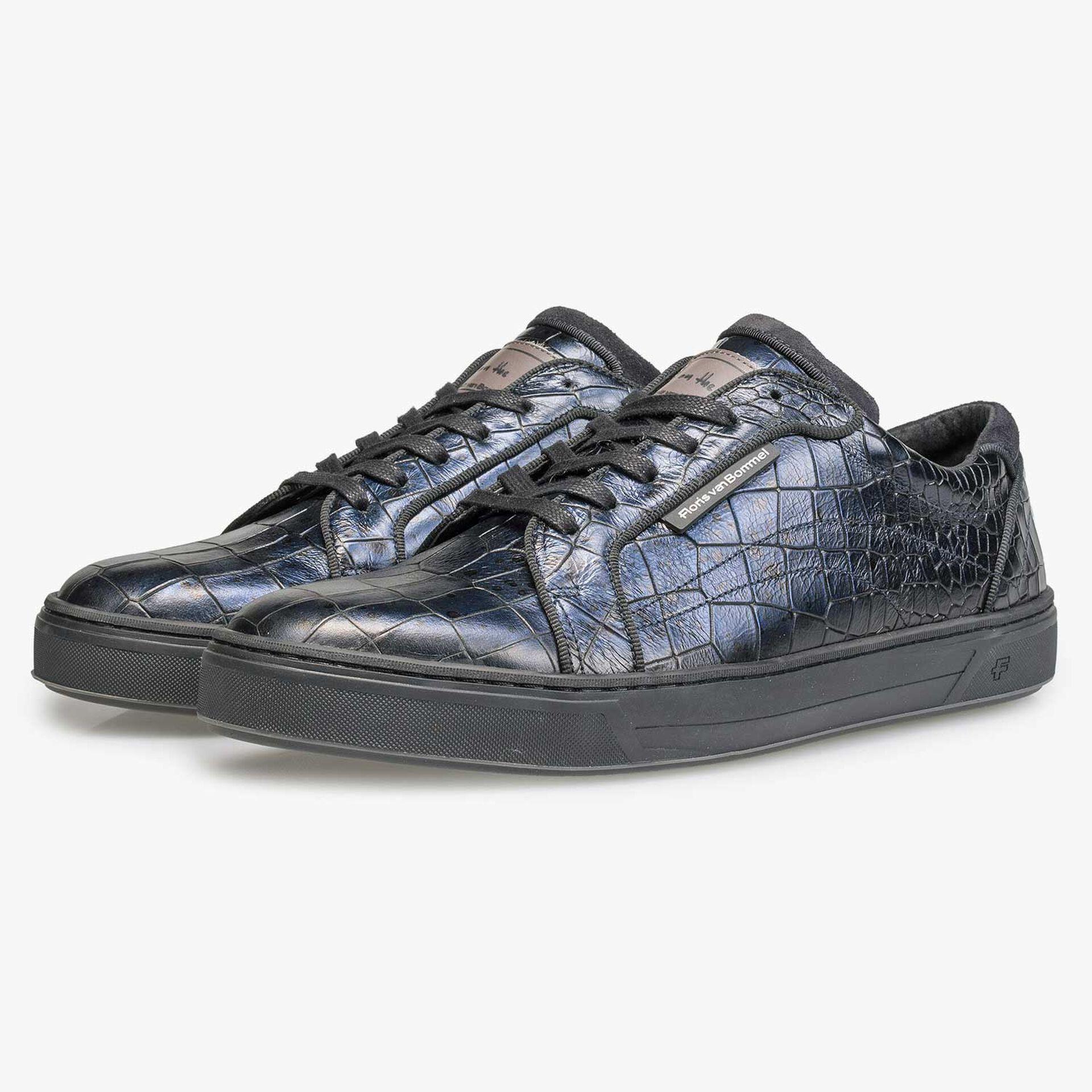 Blauwe leren sneaker met crocoprint
