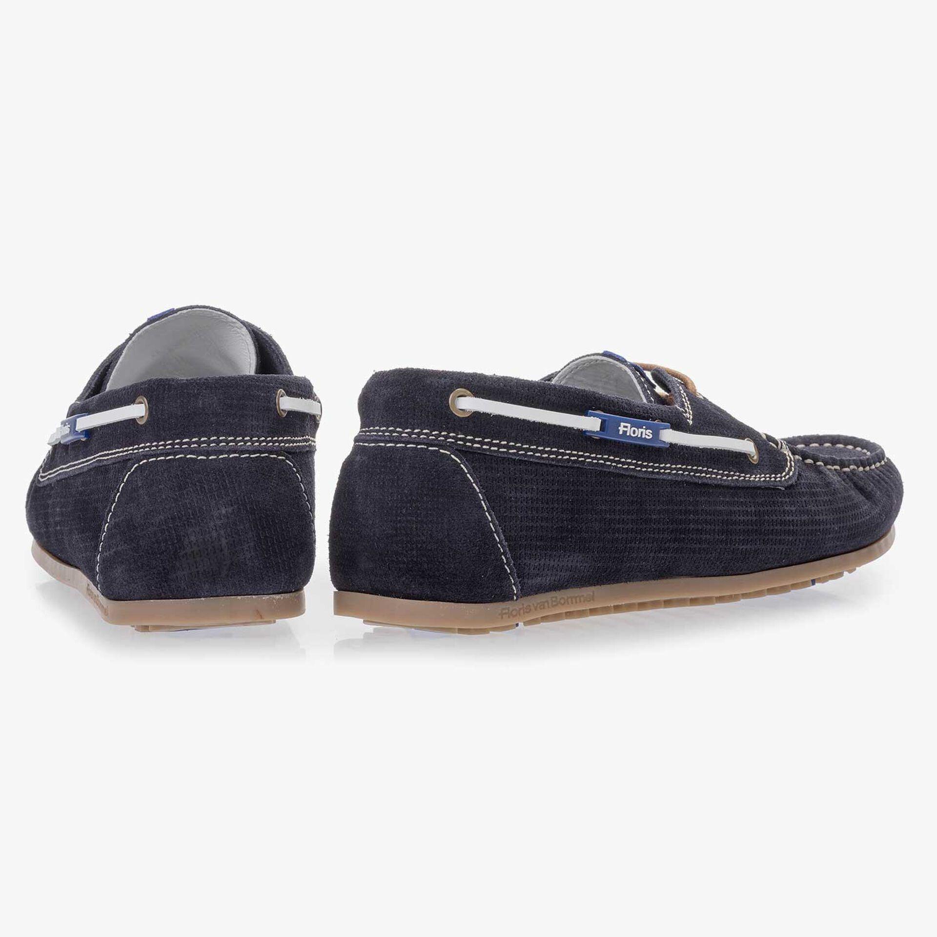 Dark blue, patterned suede leather boat shoe