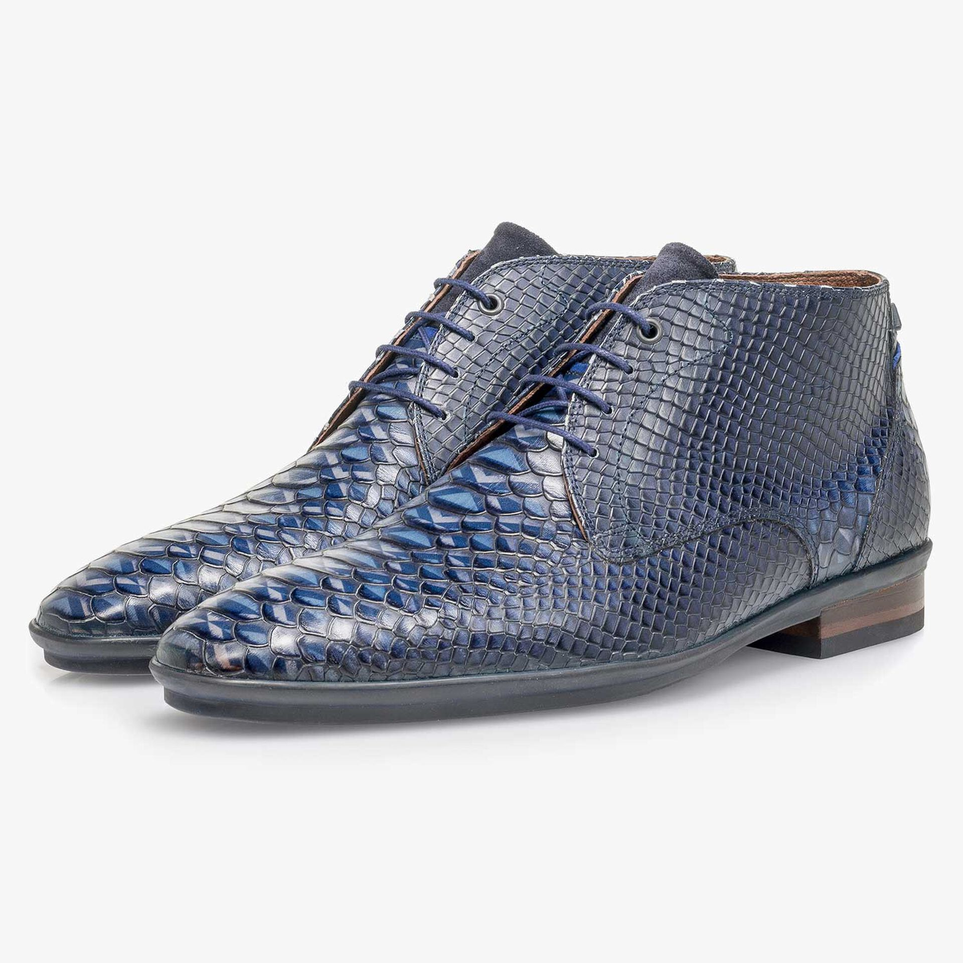 Blue calf leather lace shoe with snake print