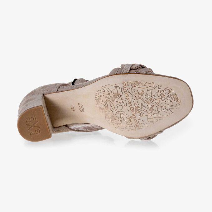 Taupekleurige sandaal van kalfssuède