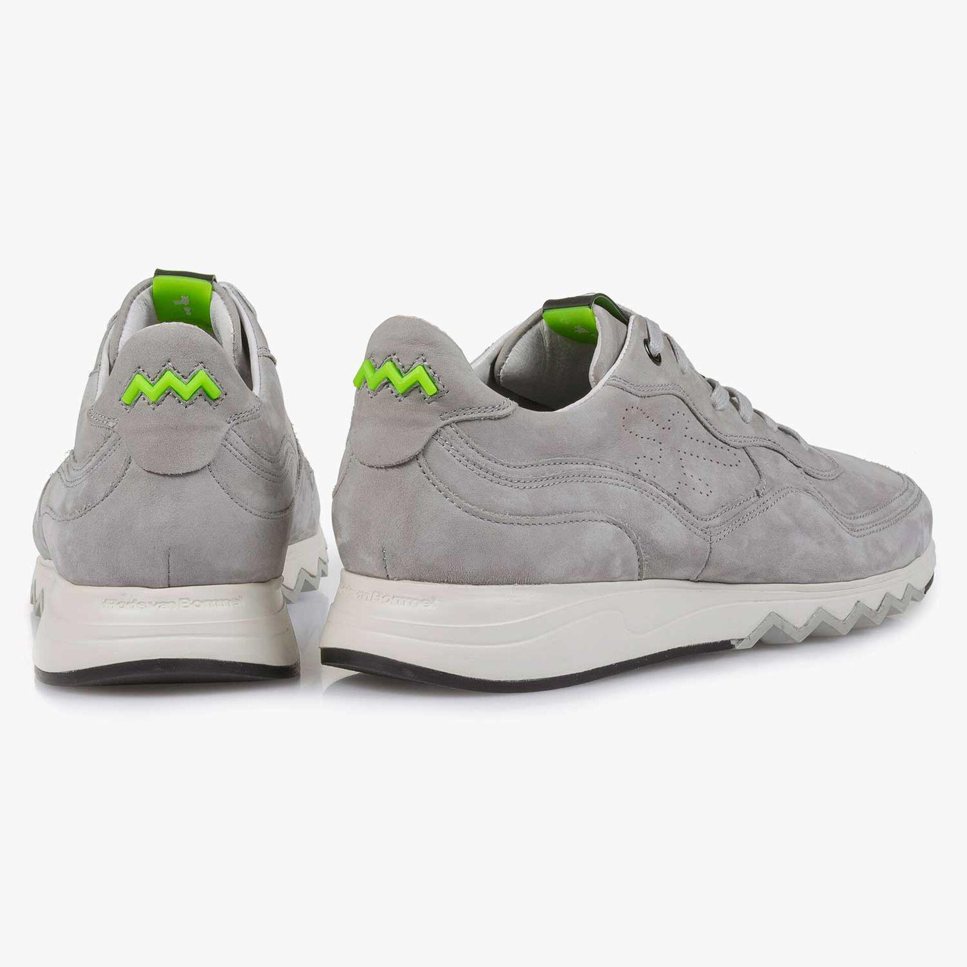 Lichtgrijze nubuckleren sneaker