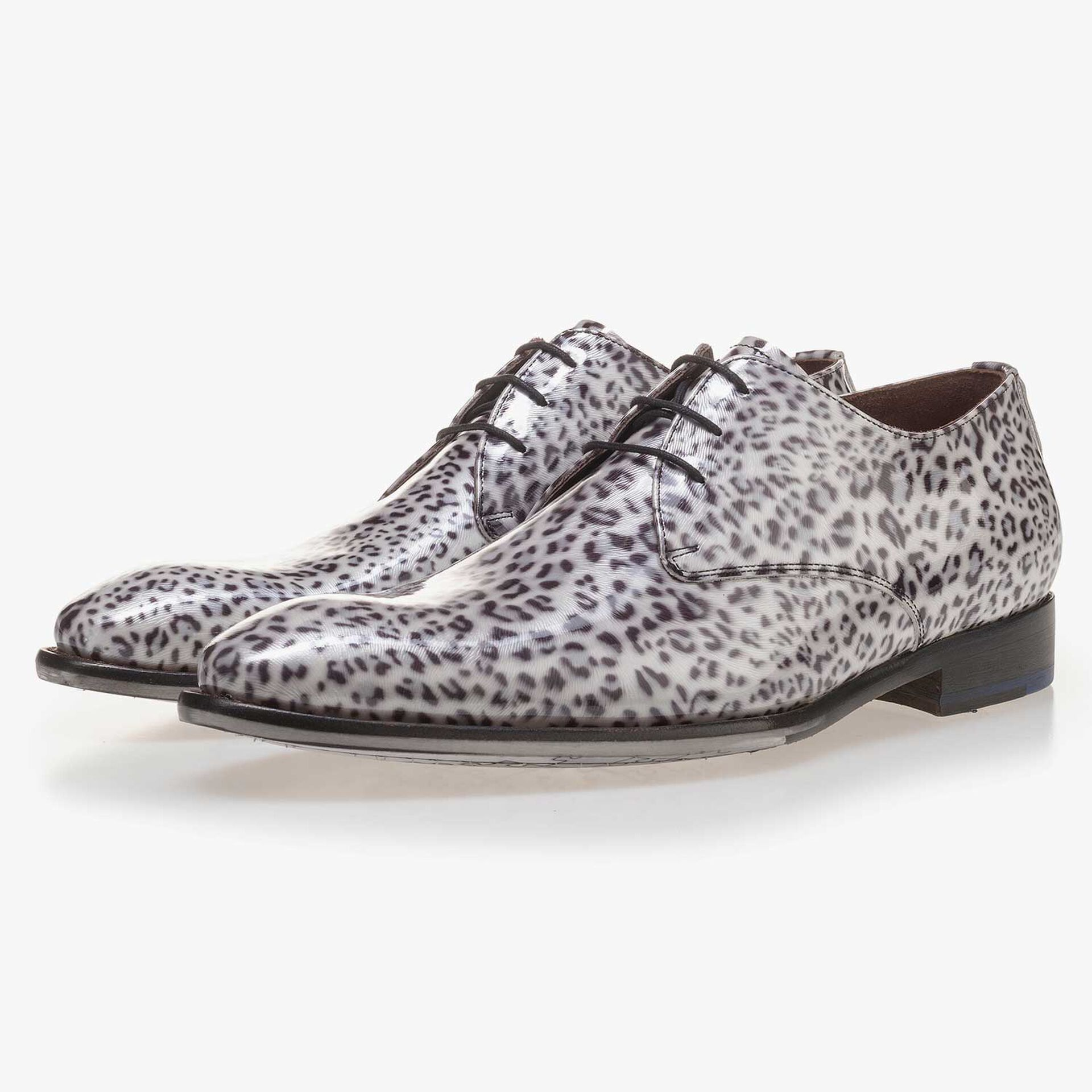 Premium grey, patent leather lace shoe