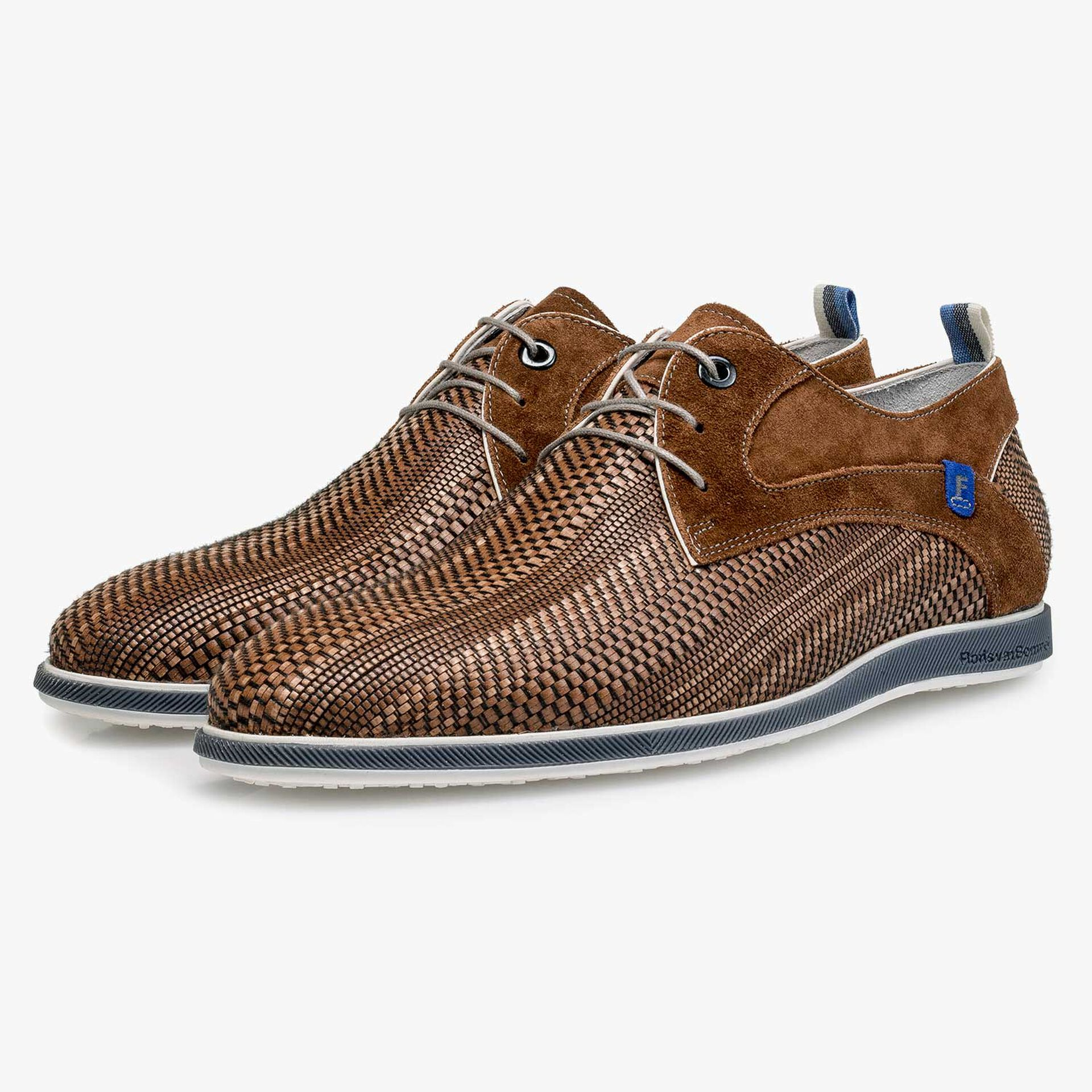 Cognac-coloured braided leather lace shoe