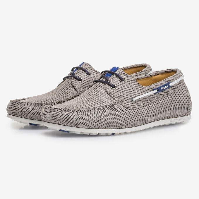 Sand-coloured suede leather boat shoe with print