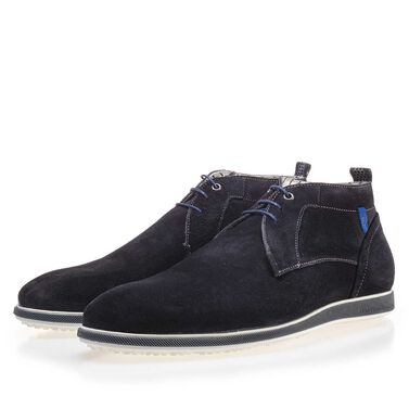 Lace shoe with rubber outsole