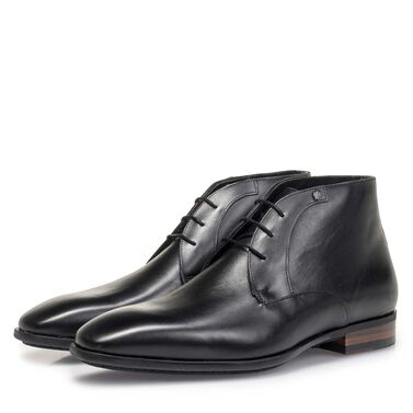 Mid-high calf leather lace shoe