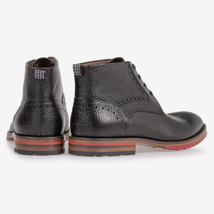 Lace boot structured leather black