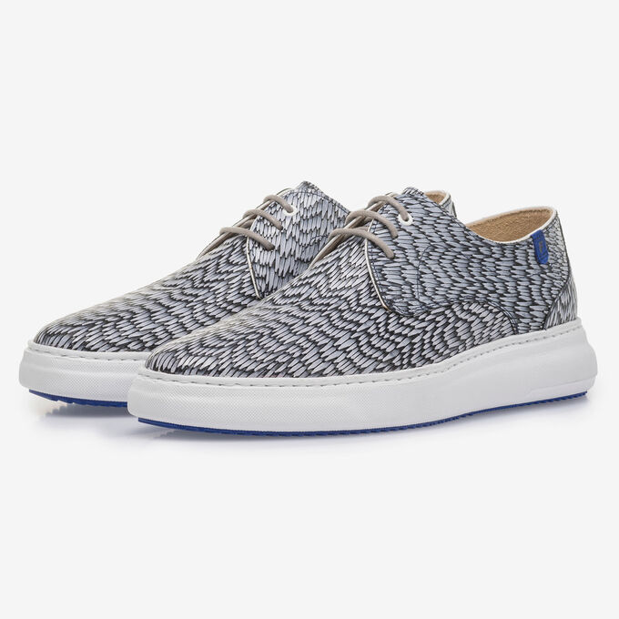 Grey leather lace shoe with print