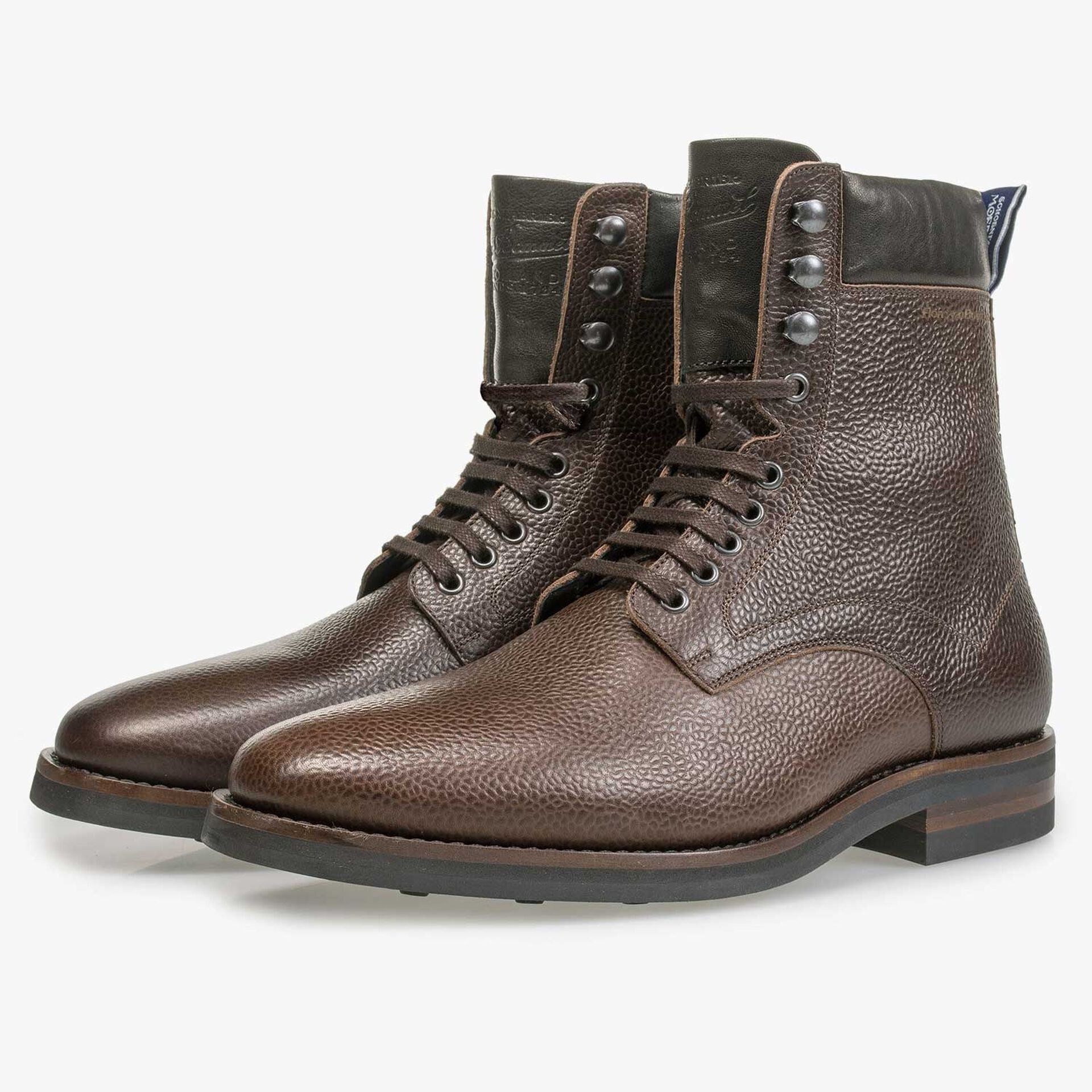 Dark brown calf's leather lace boot