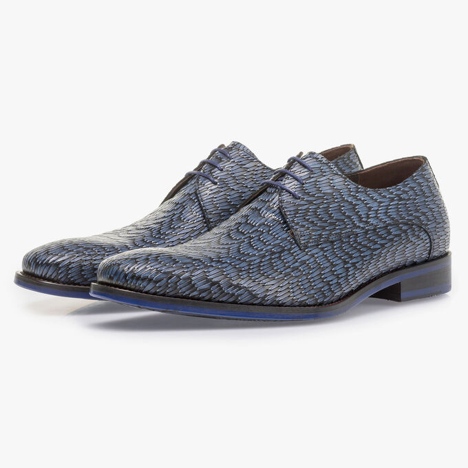 Blue leather lace shoe with print