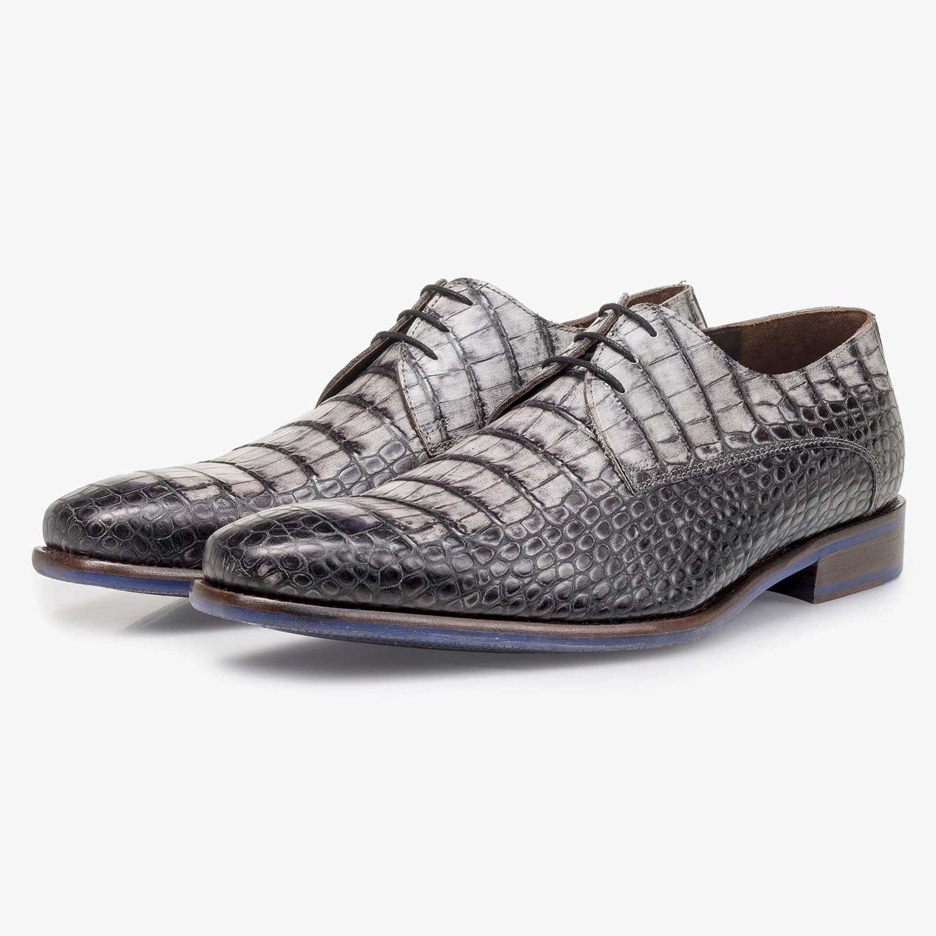 Grey croco print calf leather lace shoe