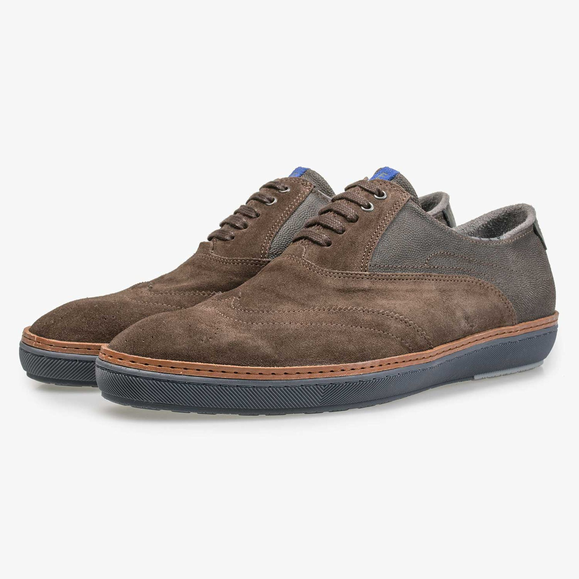 Brown calf's suede leather brogue sneaker