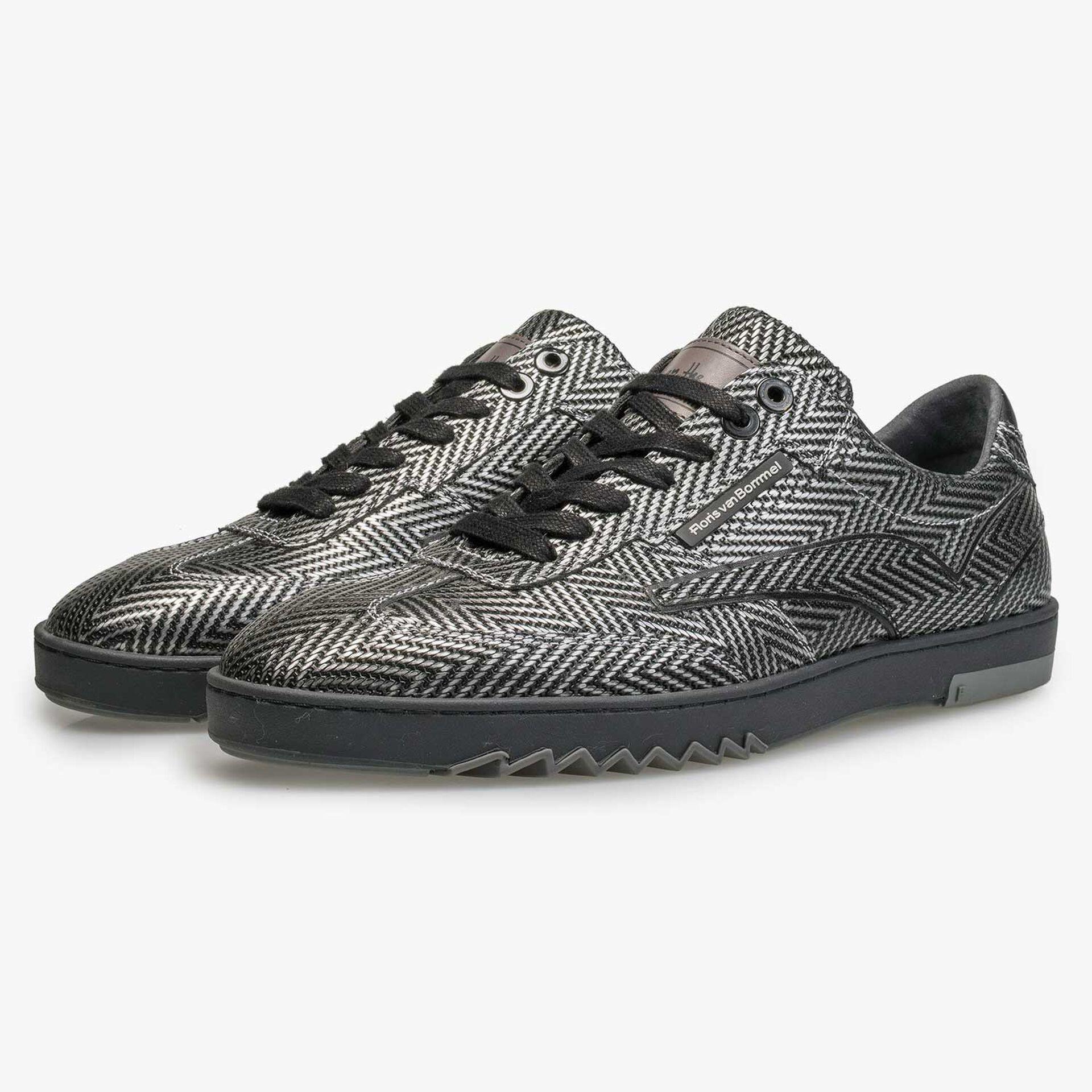 Premium kalfsleren sneaker met metallic visgraatdessin