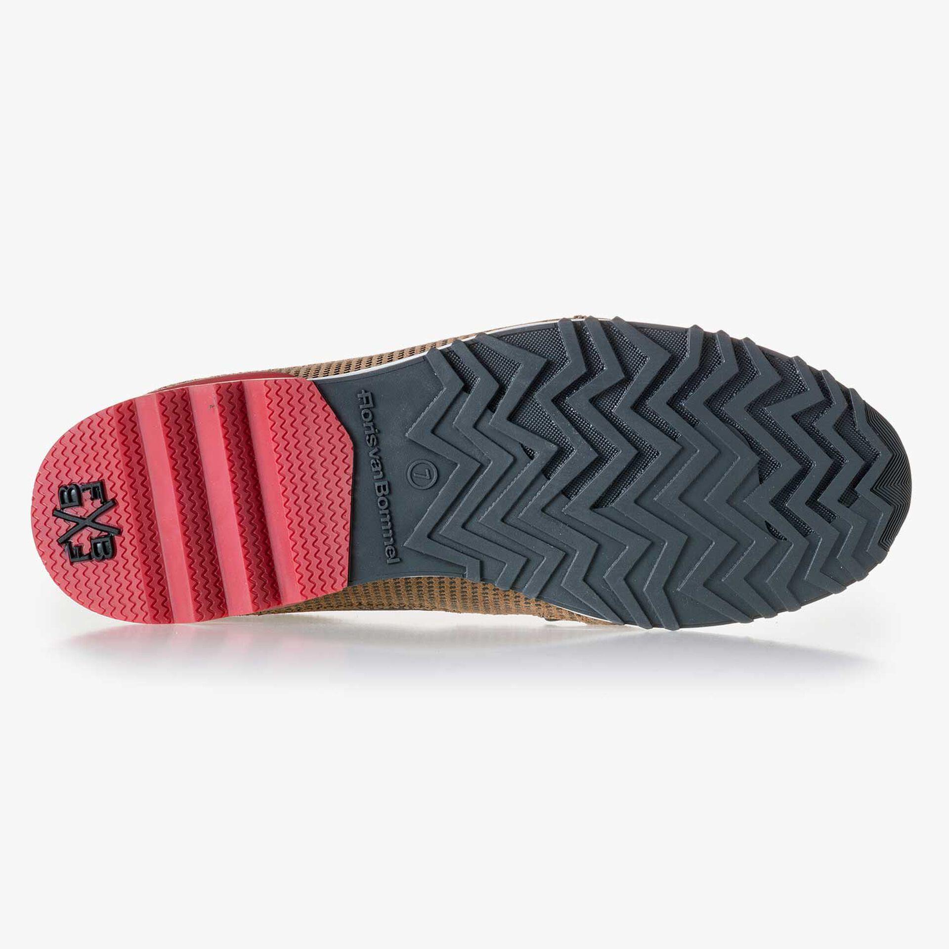Bruine suède sneaker met dessin