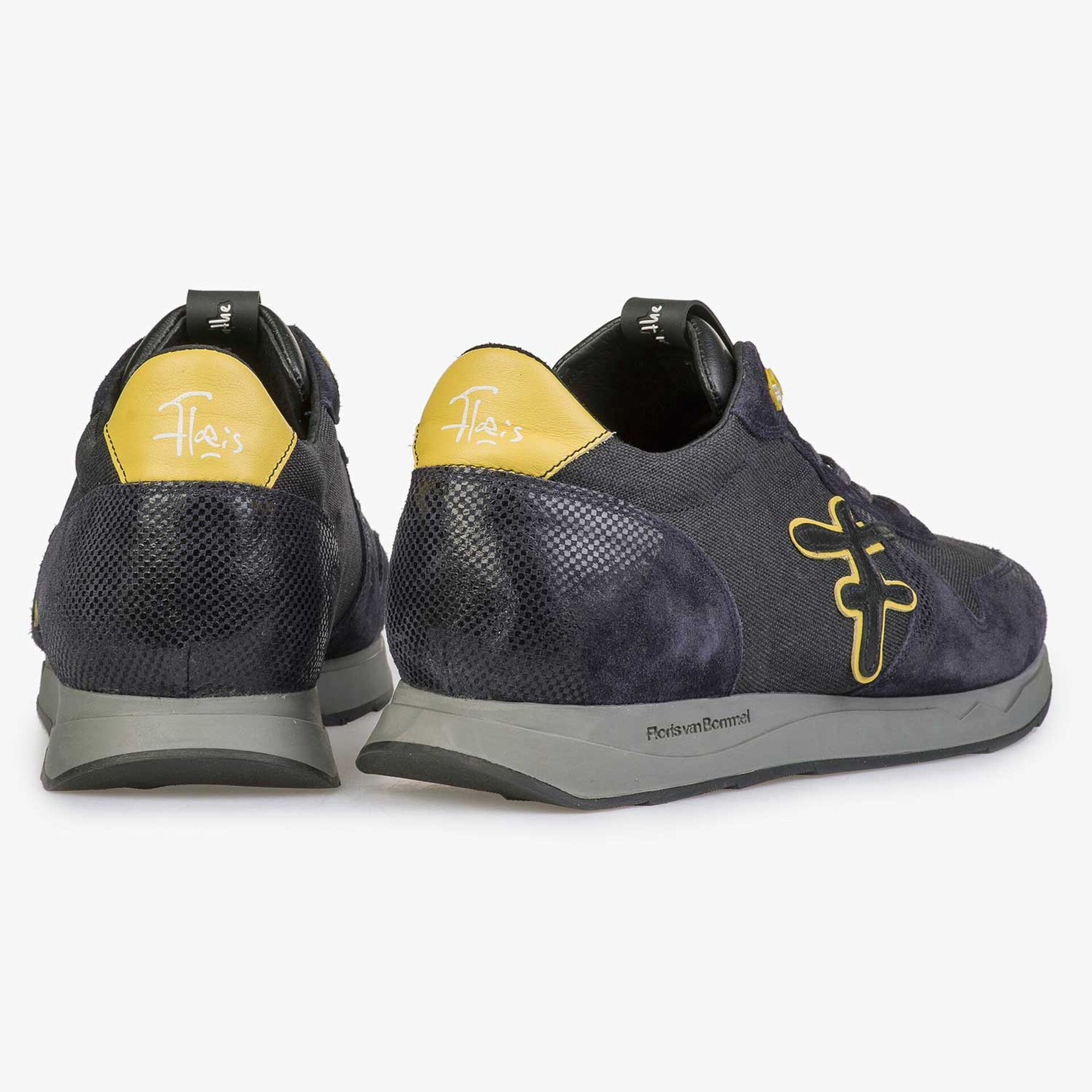 Blue / grey sneaker with yellow details