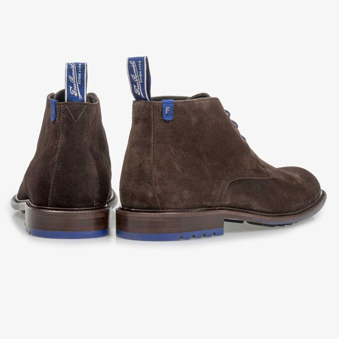 Dark brown calf suede lace shoe
