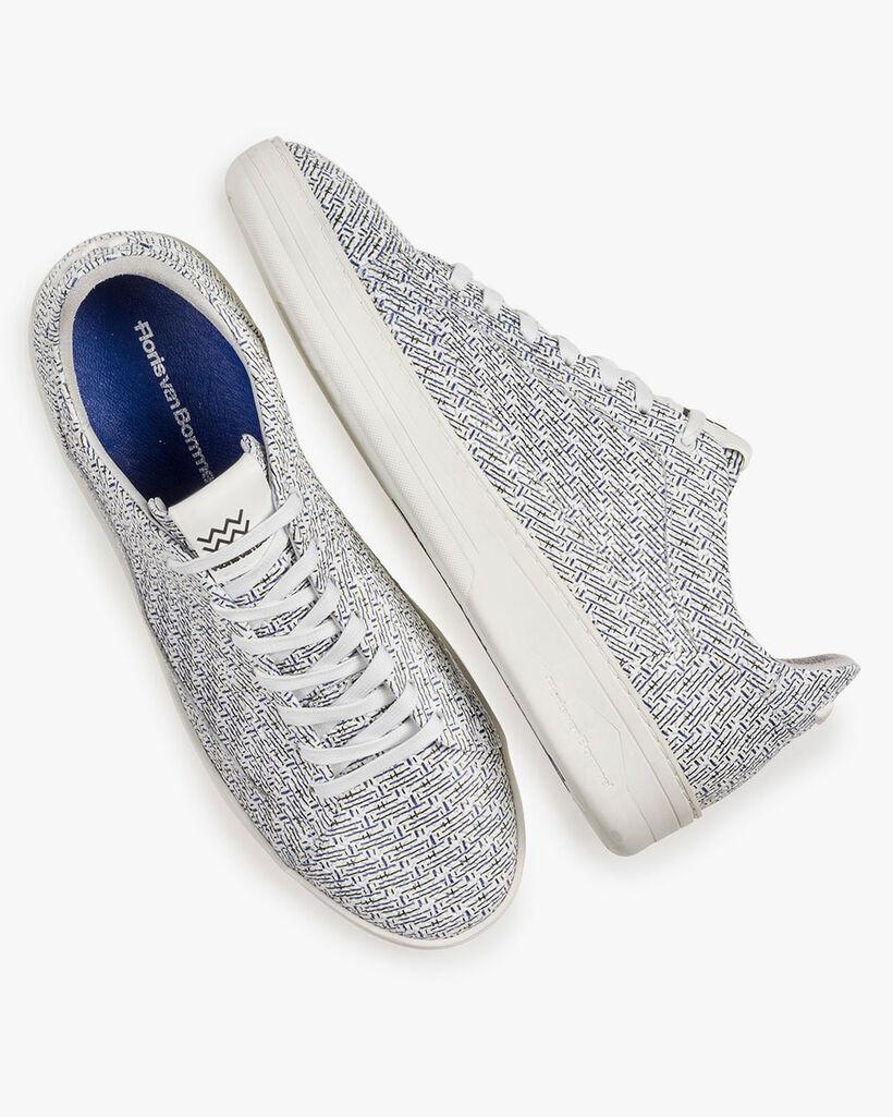 Witte leren sneaker met blauwe print