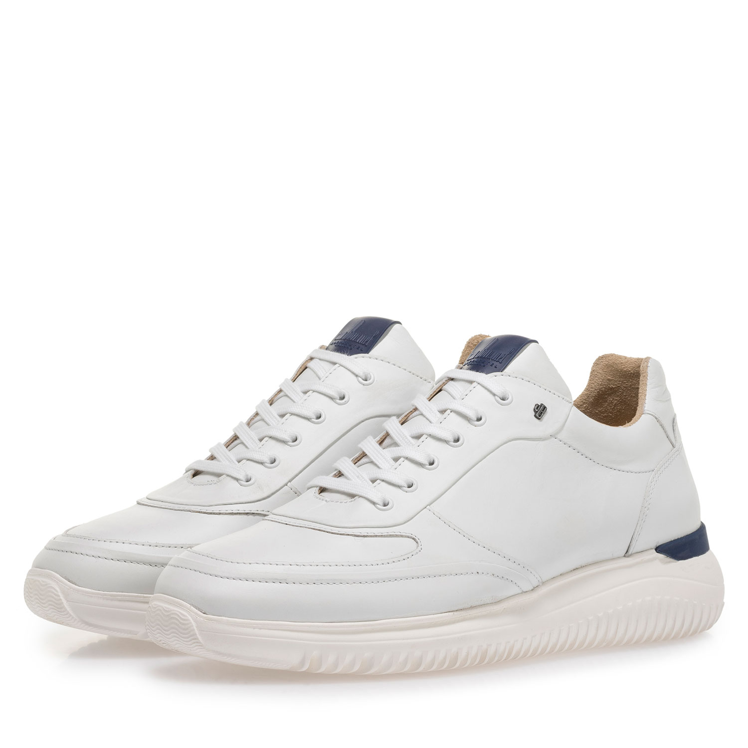16302/07 - White calf leather sneaker