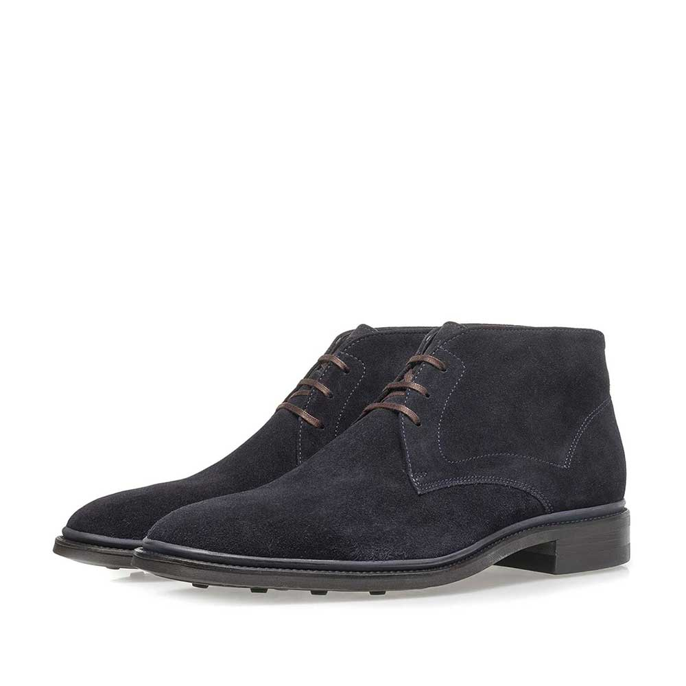 10667/05 - Dark blue suede lace boot