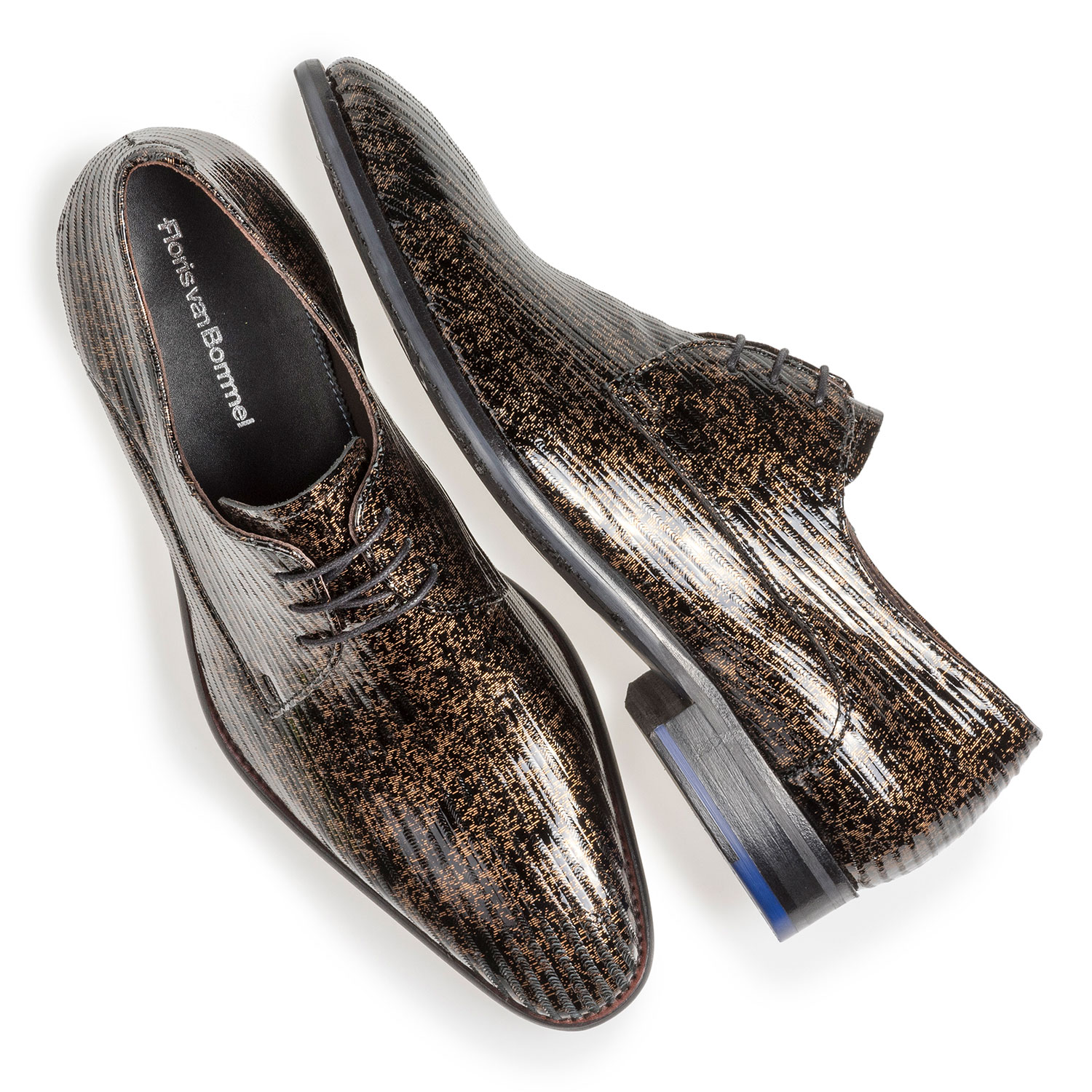 18146/11 - Brown patent leather lace shoe with metallic print