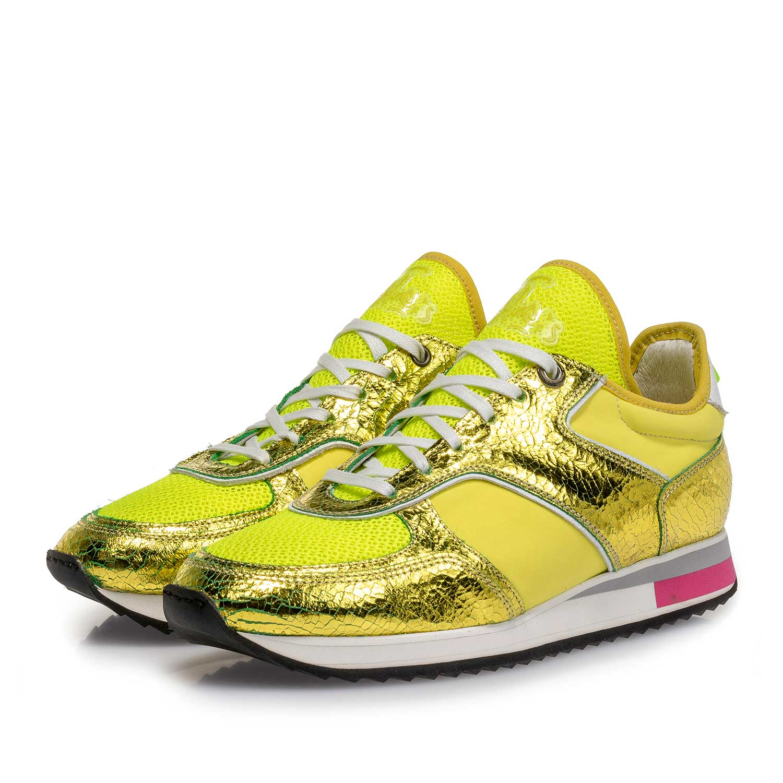 8190df4e917 85261/01 - Gele metallic leren sneaker met changeant effect