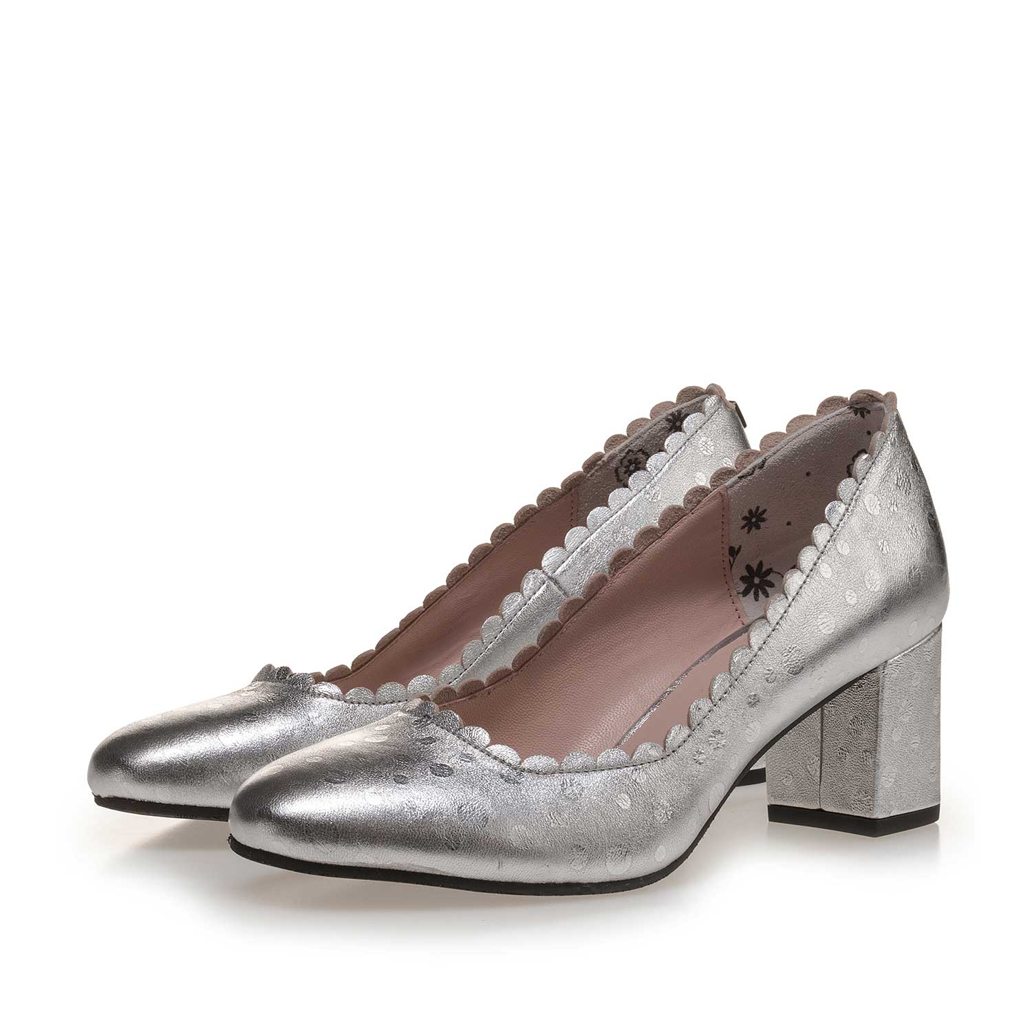 85226/02 - Silver-coloured patterned leather pumps
