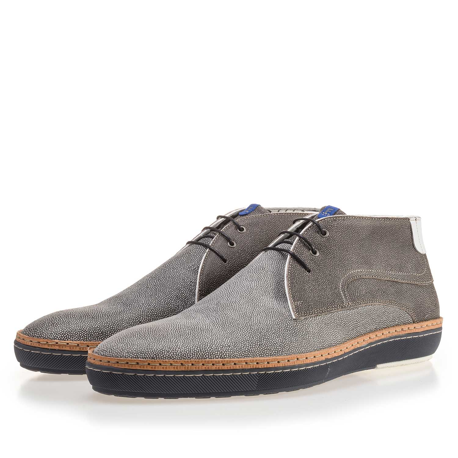 10015/01 - Grey suede leather lace boot with pattern