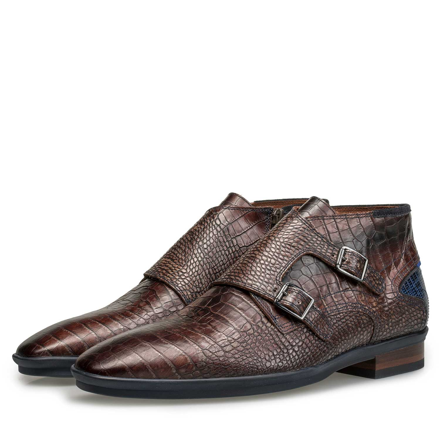 10137/14 - Dark brown buckled shoe with croco print