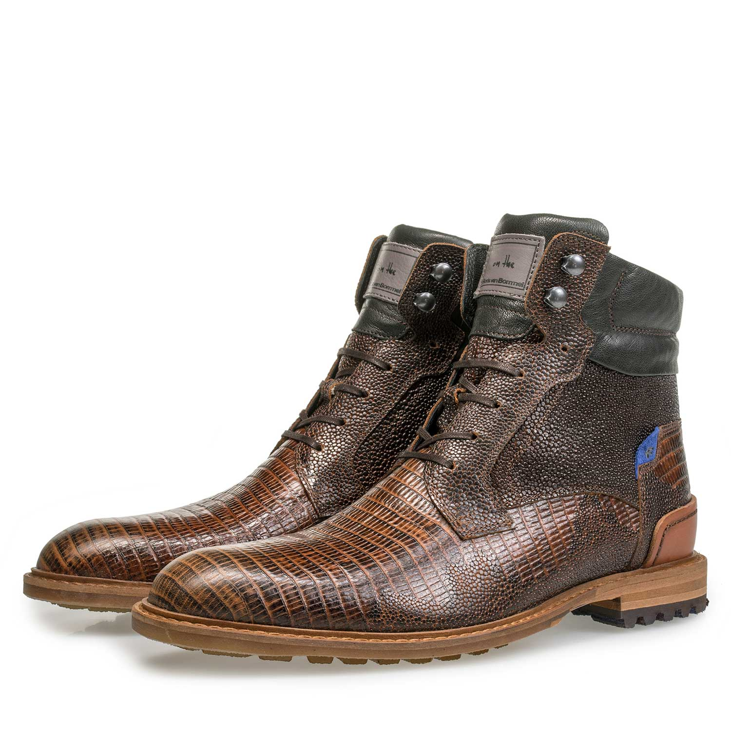 10234/00 - Cognac-coloured leather lace boot with lizard print