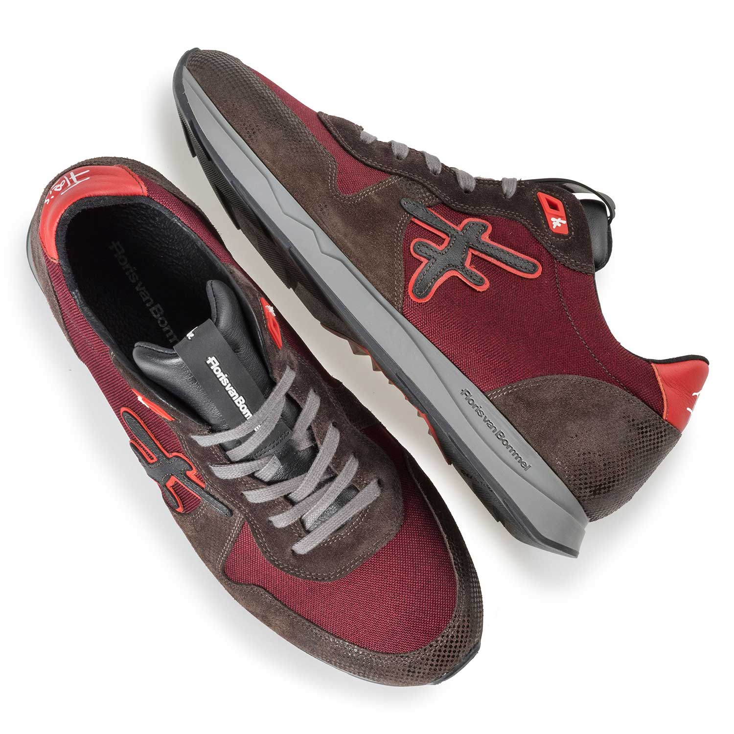 16226/00 - Leather sneaker with dark red canvas