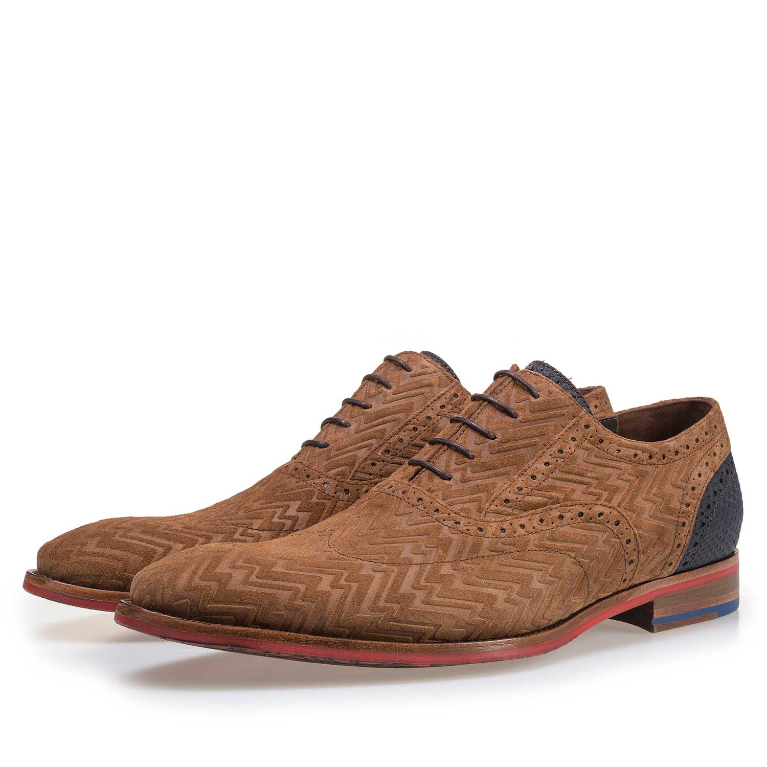 19062/06 - Cognac-coloured suede leather lace shoe with print motif