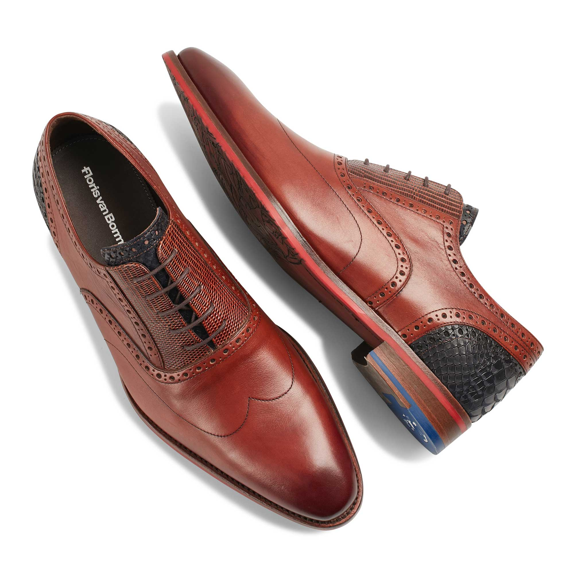 19062/00 - Cognac-coloured calf's leather lace shoe