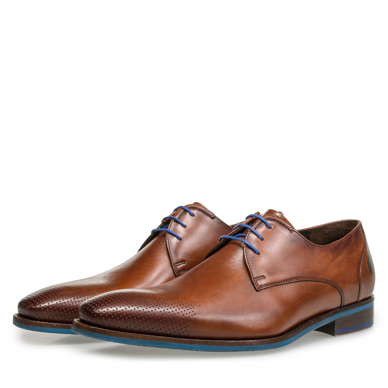 18193/00 - Cognac-coloured leather lace shoe with cloud pattern