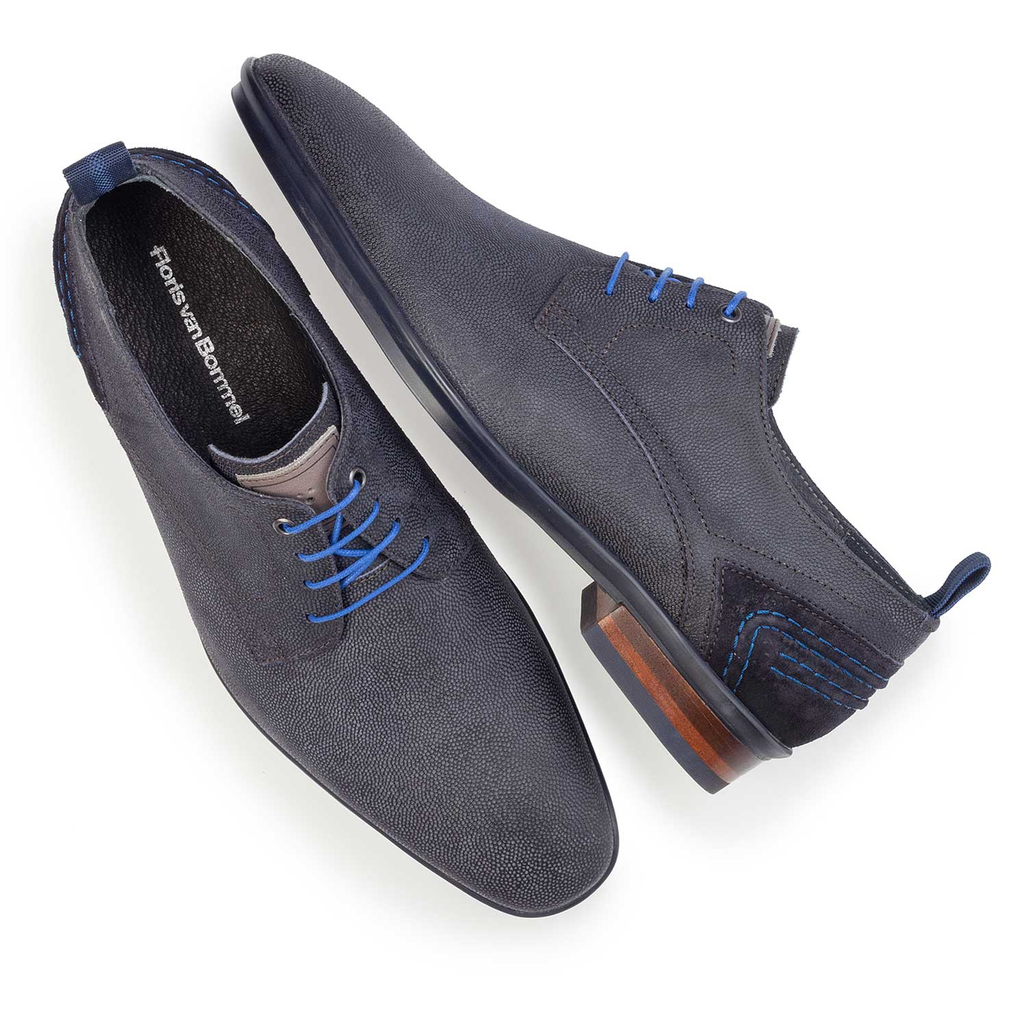 14007/01 - Dark blue patterned lace shoe made of suede leather