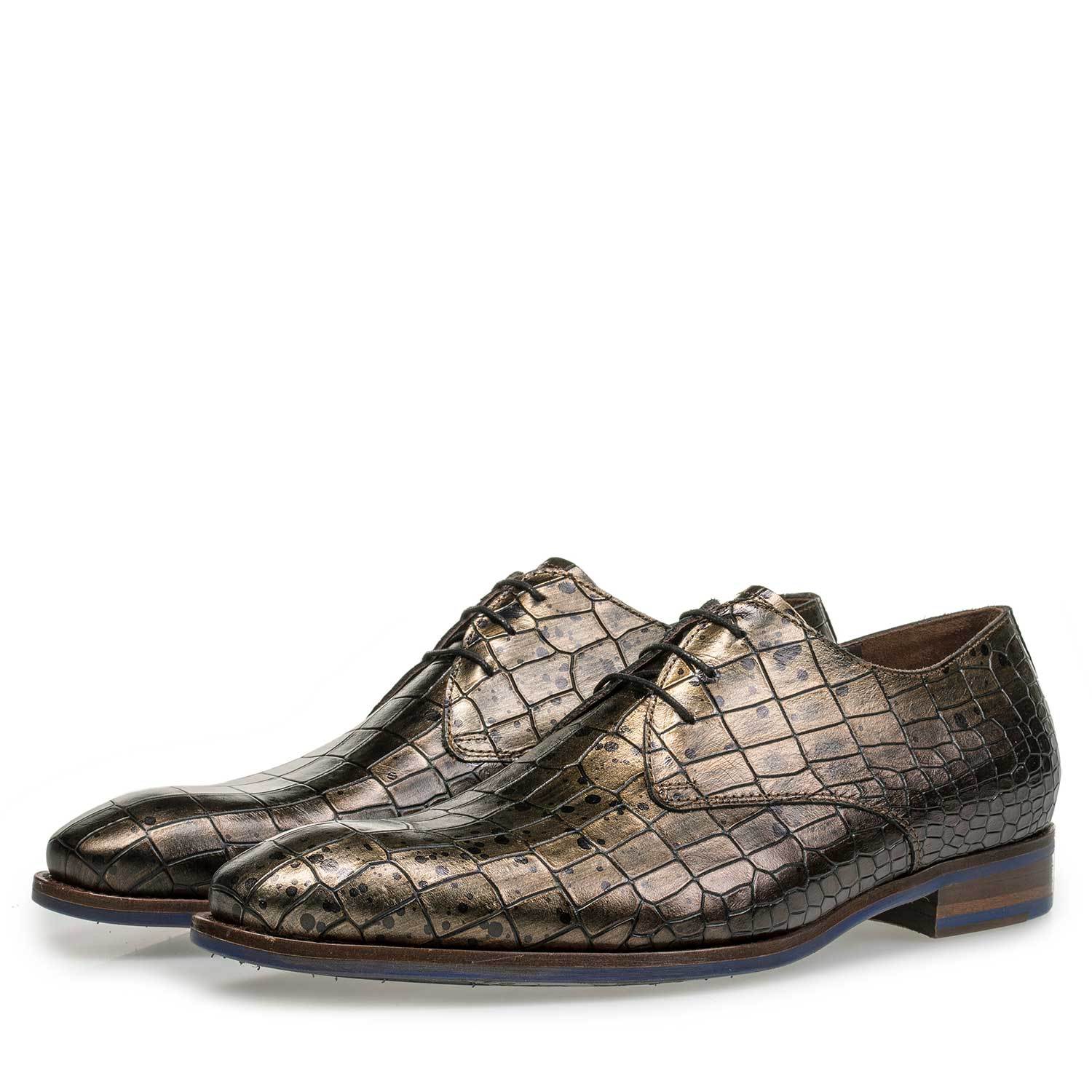 18067/00 - Calf's leather lace shoe with croco print