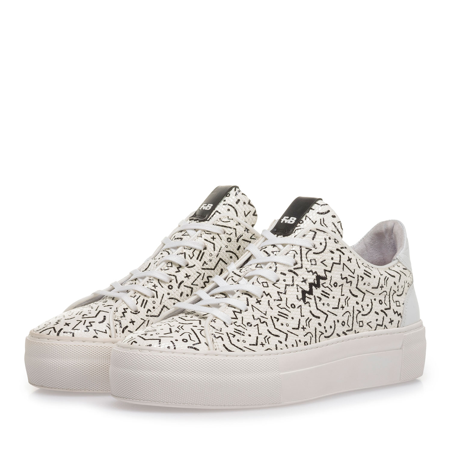 85297/02 - White leather sneaker with black print