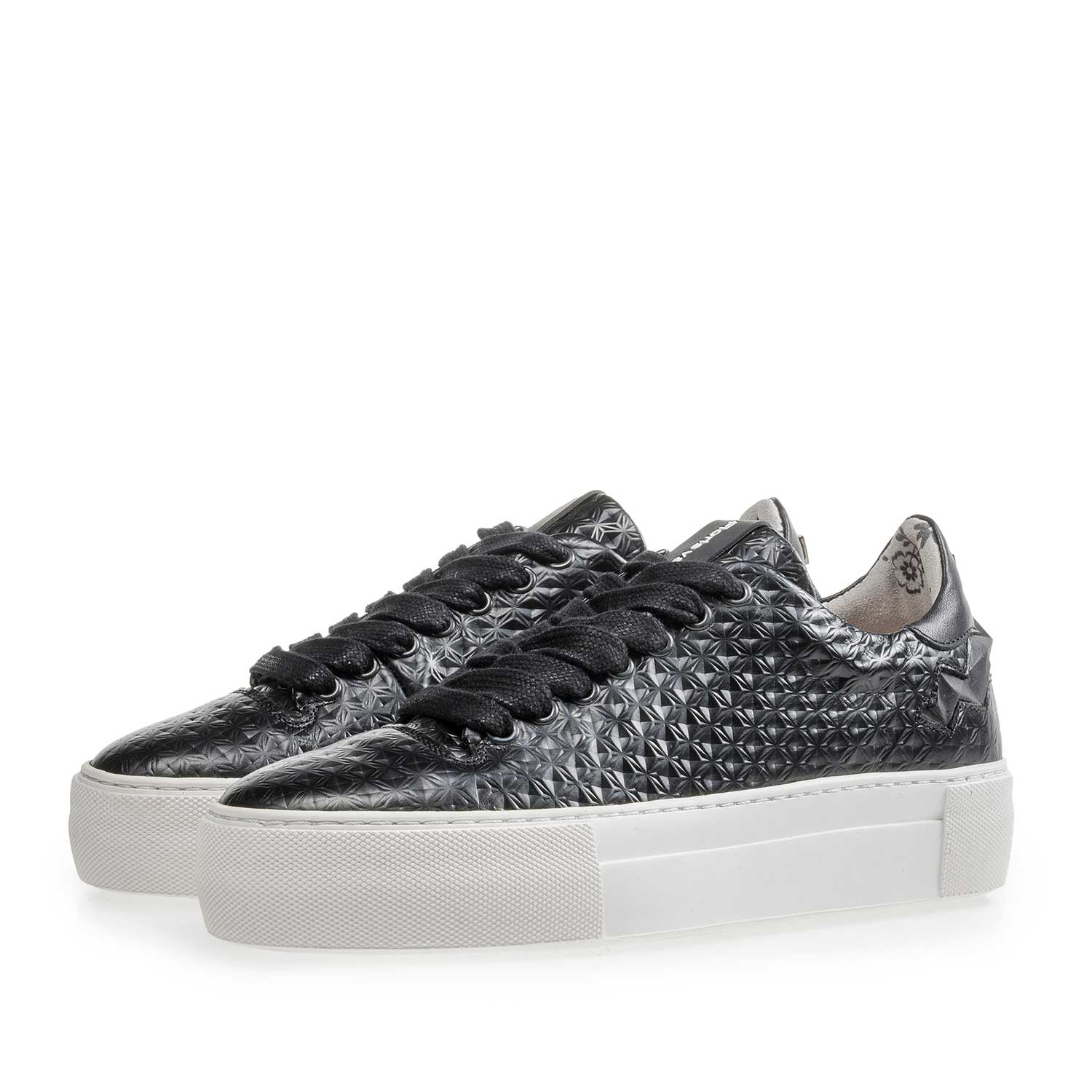85234/01 - Black patterned leather sneaker