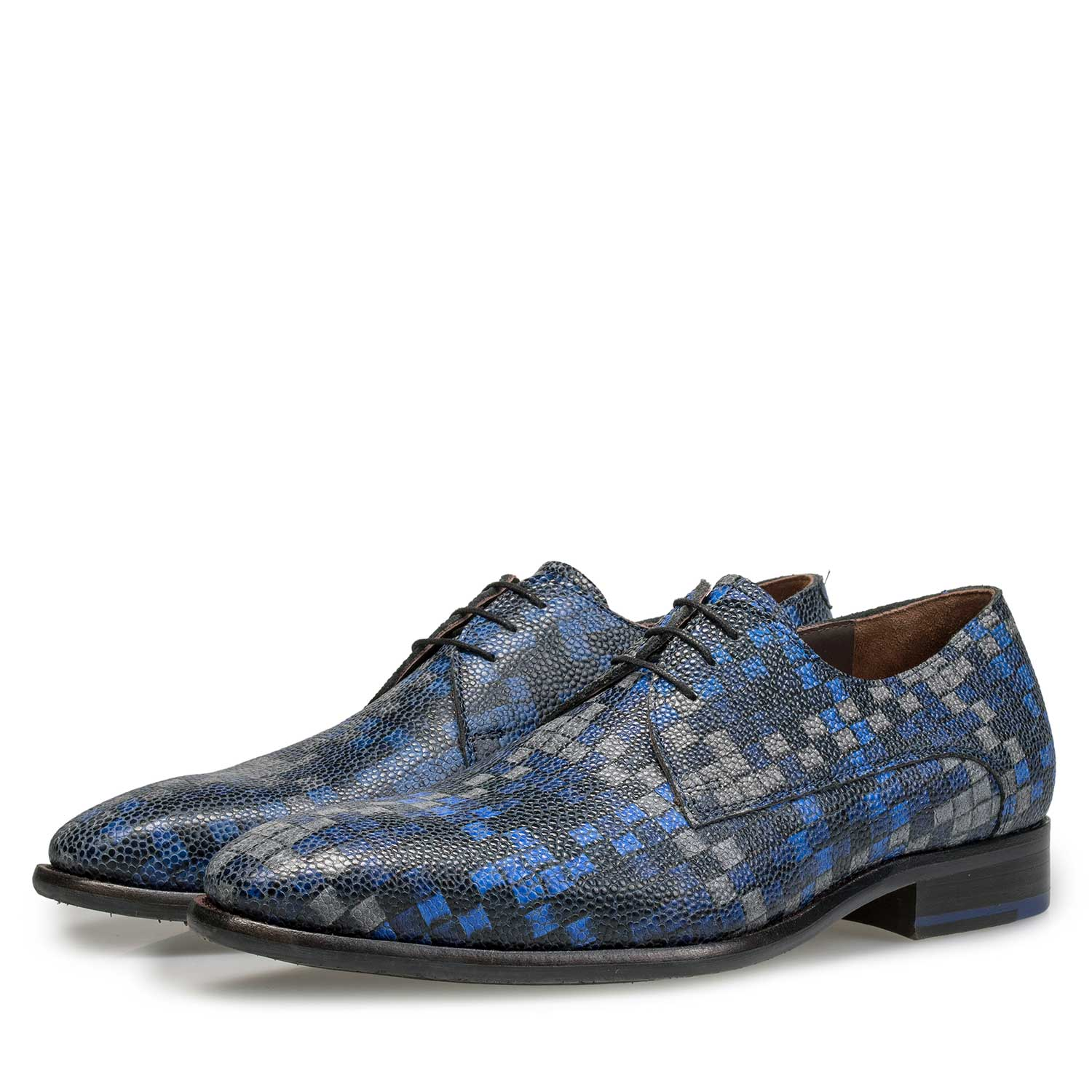 18069/00 - Blue lace shoe with graphic print